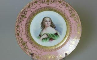 Тарелка Севр Портрет Mme de La Vallière